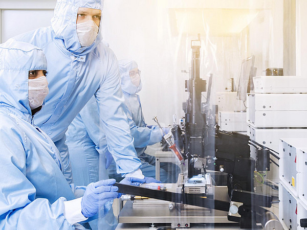 Clean room lab die bonder